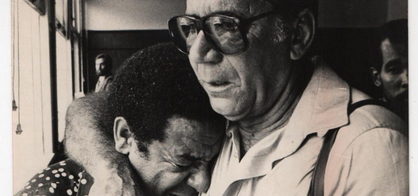 Botafoguense doente, Agnaldo Timóteo pagou o enterro de Garrincha e invadiu campo para reclamar de Cláudio Adão