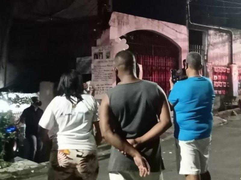 Parentes e amigos fazem ato por mulhres mortas em ação da PM no Curuzu