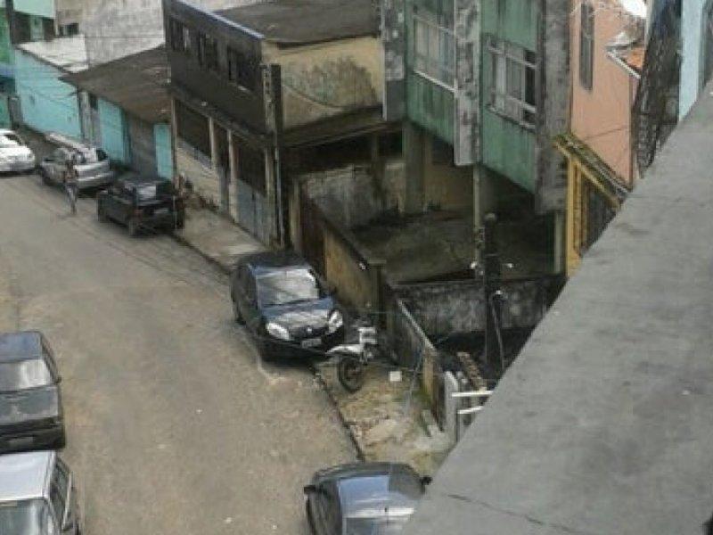 Menino de 10 anos, da janela de casa, viu mãe ser morta em operação policial