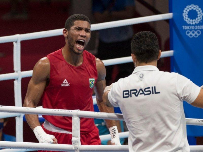 Baiano Herbert Conceição vence na manhã deste domingo e garante medalha para o boxe brasileiro