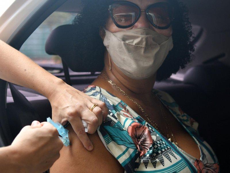 Bahia tem 81,54% da população acima de 12 anos vacinada com a primeira dose