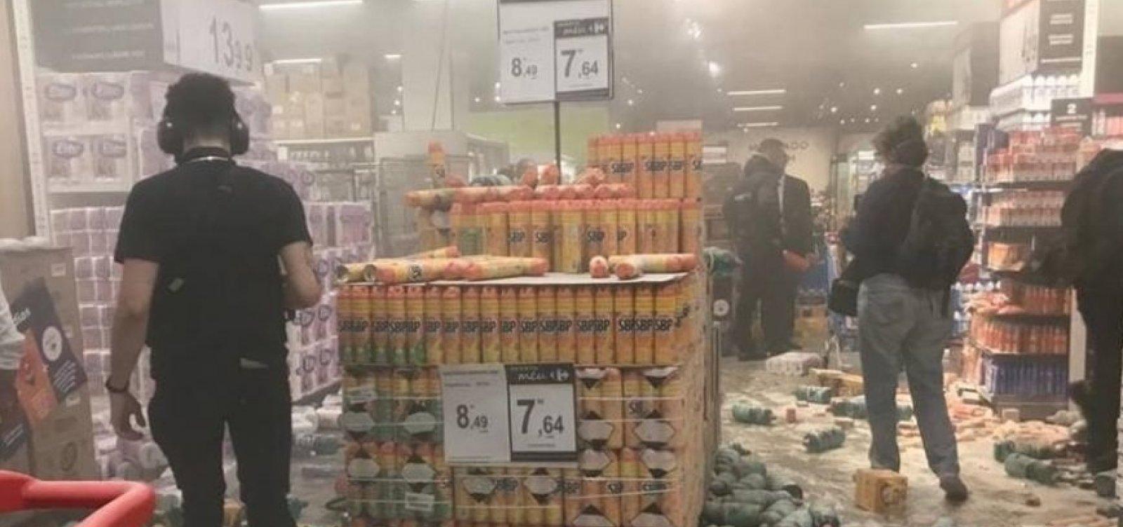 Loja do Carrefour em São Paulo é destruída durante protesto antirracista