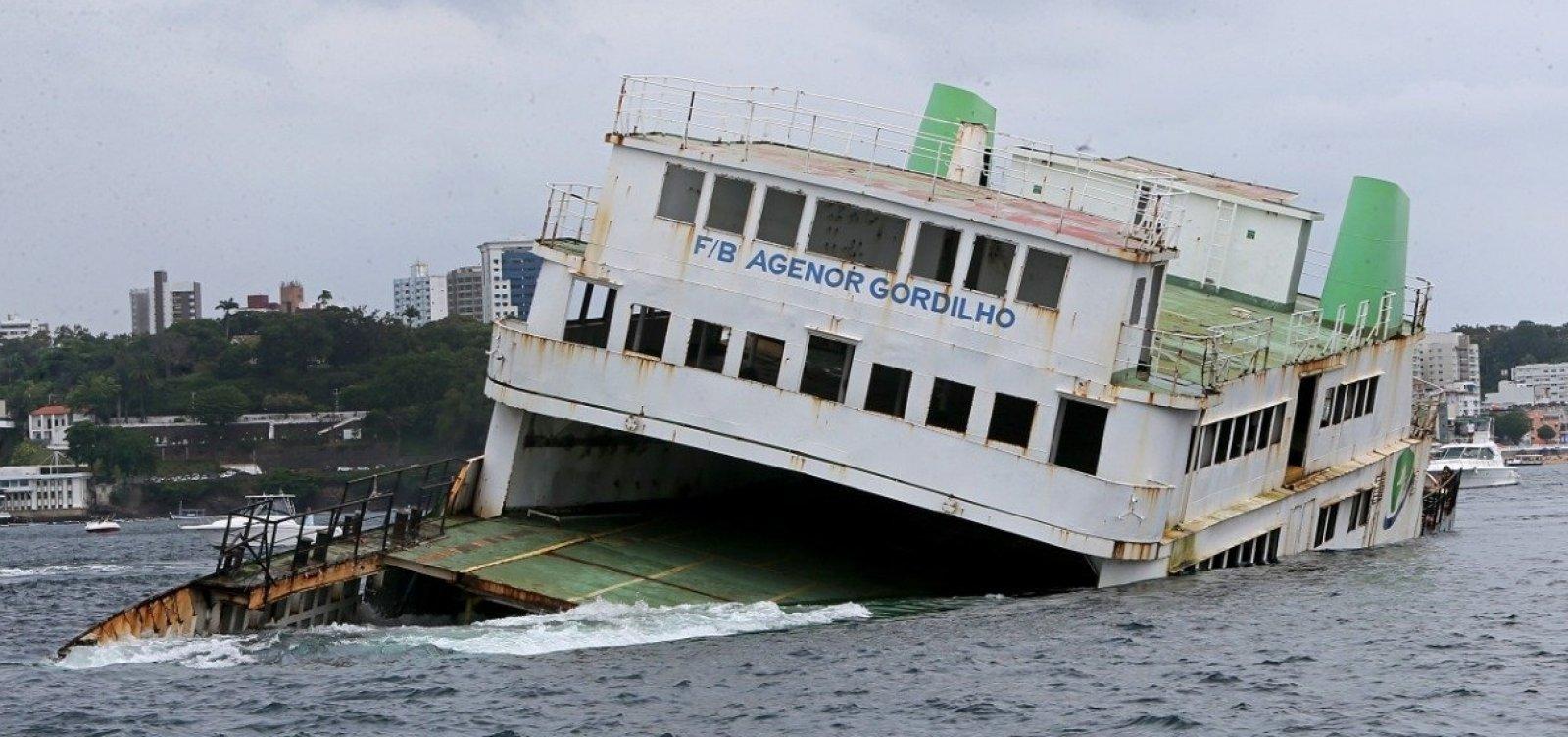 Ferry-boat Agenor Gordilho é afundado na Baía de Todos-os-Santos