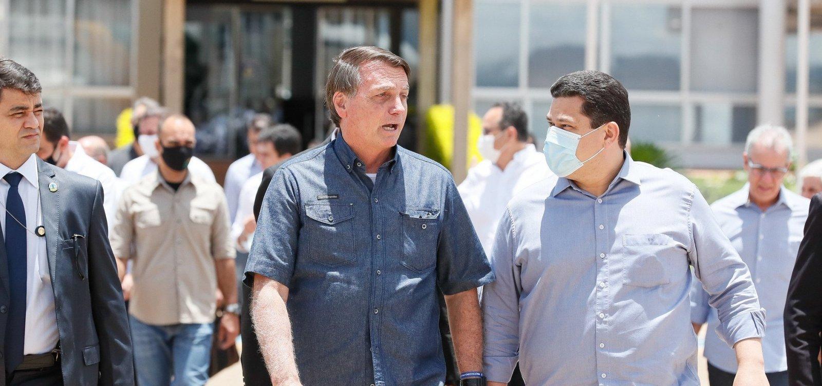 Após 19 dias de apagão, Bolsonaro chega ao Amapá sob protestos de moradores
