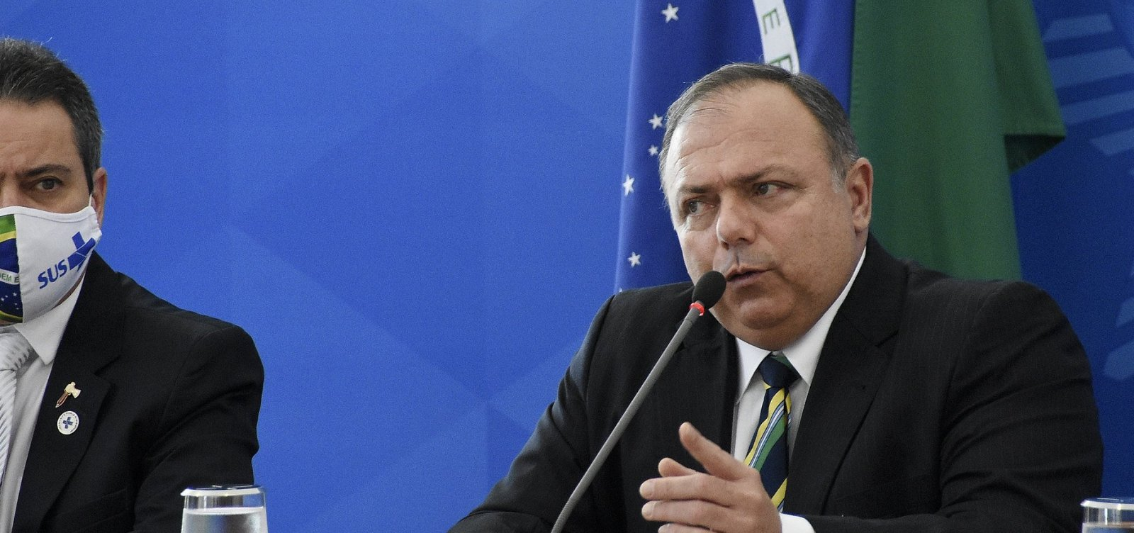 Bolsonaro não vai incentivar vacinação para Covid-19 porque é contra obrigatoriedade, diz Pazuello