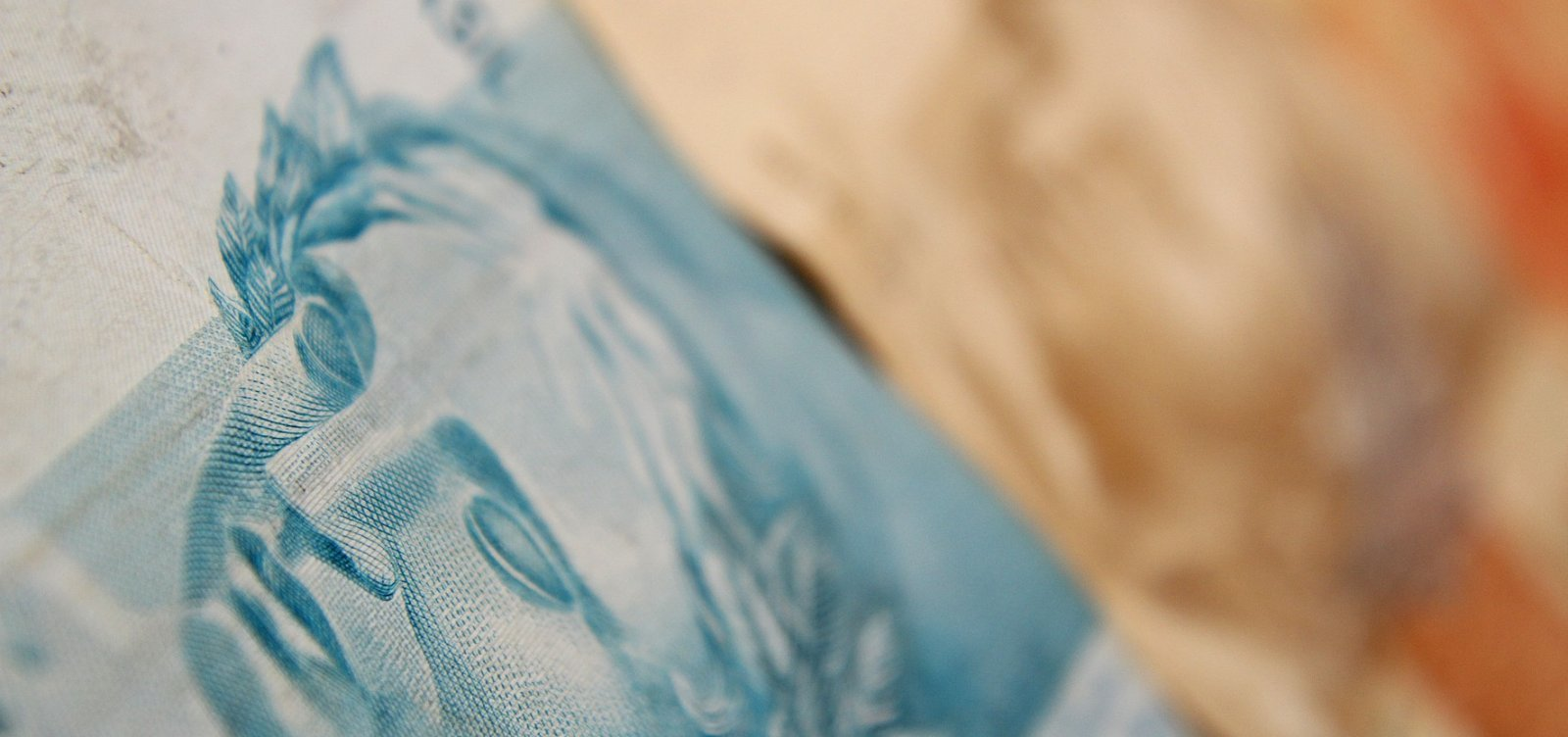 Depósitos na poupança superam saques em R$ 166,3 bilhões em 2020, diz Banco Central