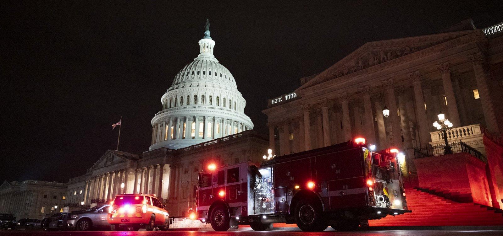 Mais de 90 pessoas são presas nos EUA por invasão ao Capitólio