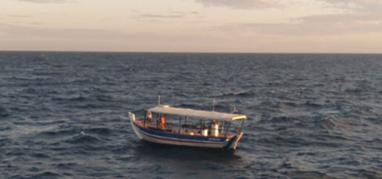 Pescadores desaparecem e são achados à deriva 4 dias depois na Ilha de Itaparica
