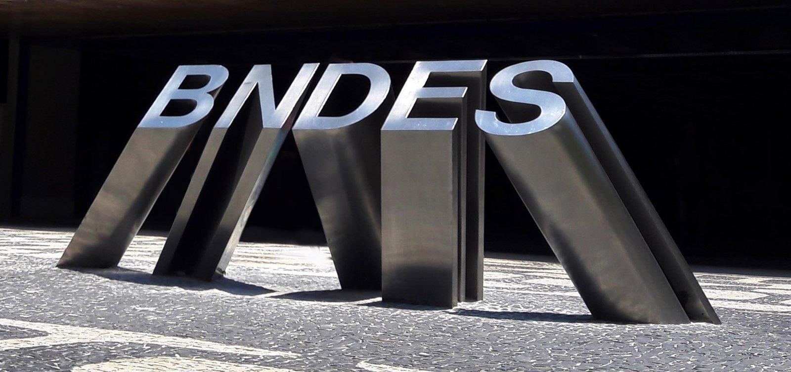 BNDES irá pedir explicações à Ford sobre fechamento de fábricas no Brasil