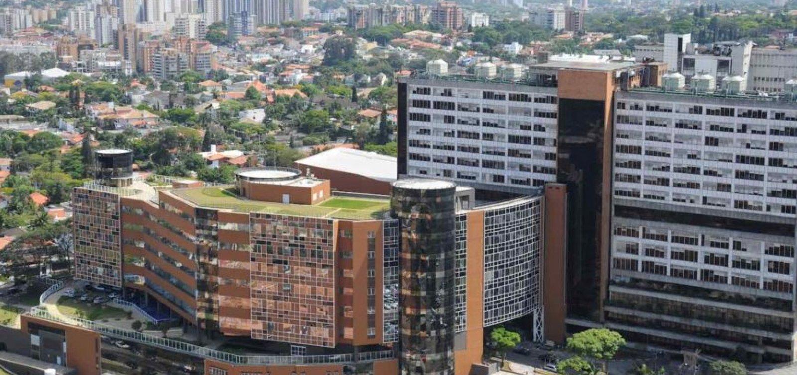 Hospital Albert Einstein bate recorde de internações por Covid-19 e presidente diz que 'situação vai piorar'