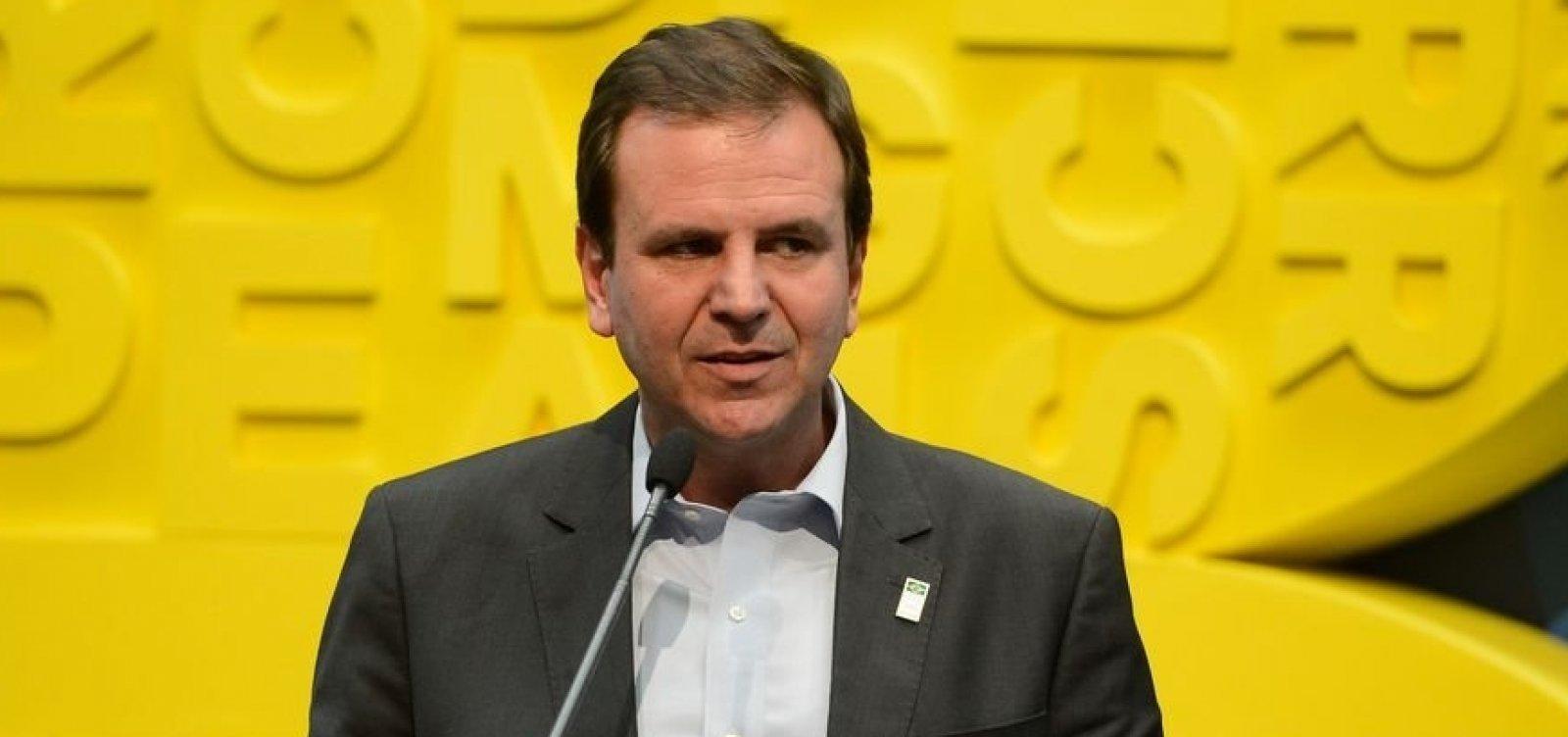 Após liberação de público nos estádios, prefeito do Rio volta atrás na decisão