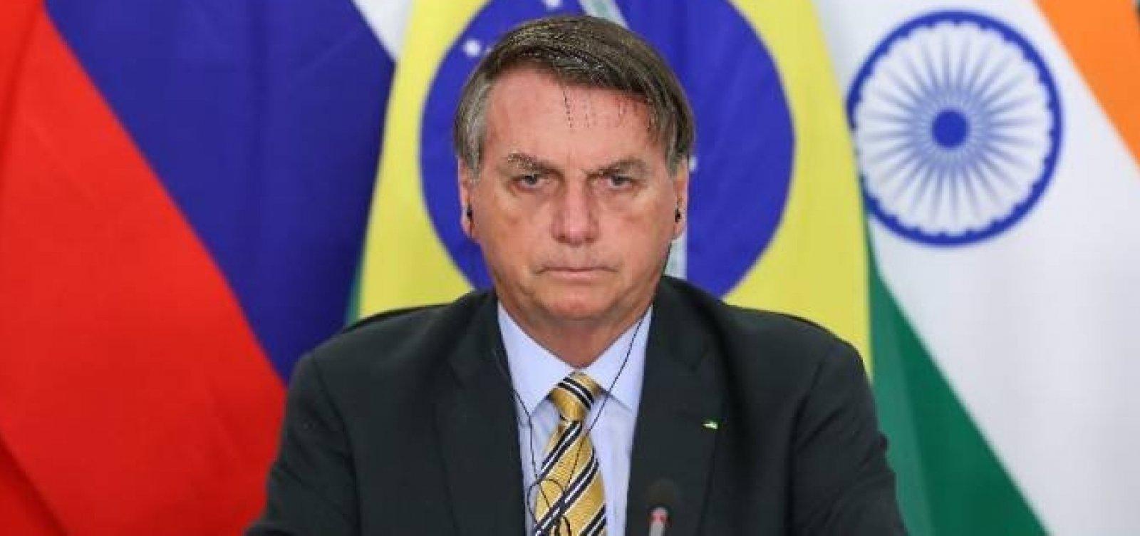 Twitter põe alerta de informação enganosa em publicação de Bolsonaro sobre tratamento precoce contra Covid