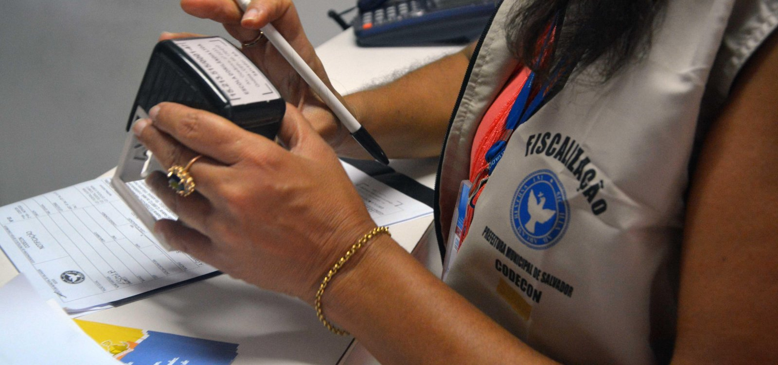 Codecon promete notificar escolas particulares sobre material escolar em Salvador