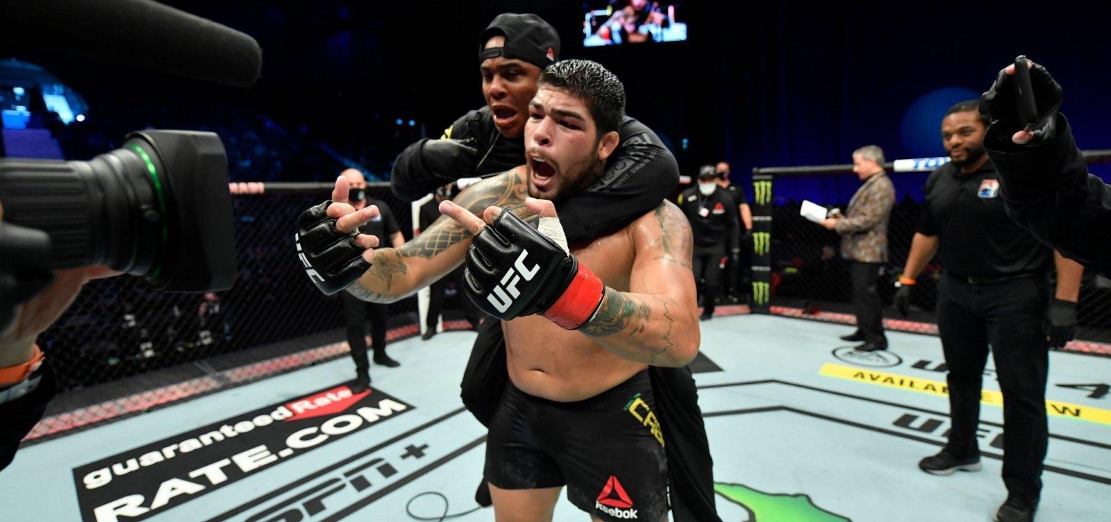 Baiano de Feira de Santana, Carlos Boi vence luta no UFC