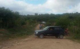 Casal de adolescentes é morto a pedradas em estrada no interior do estado