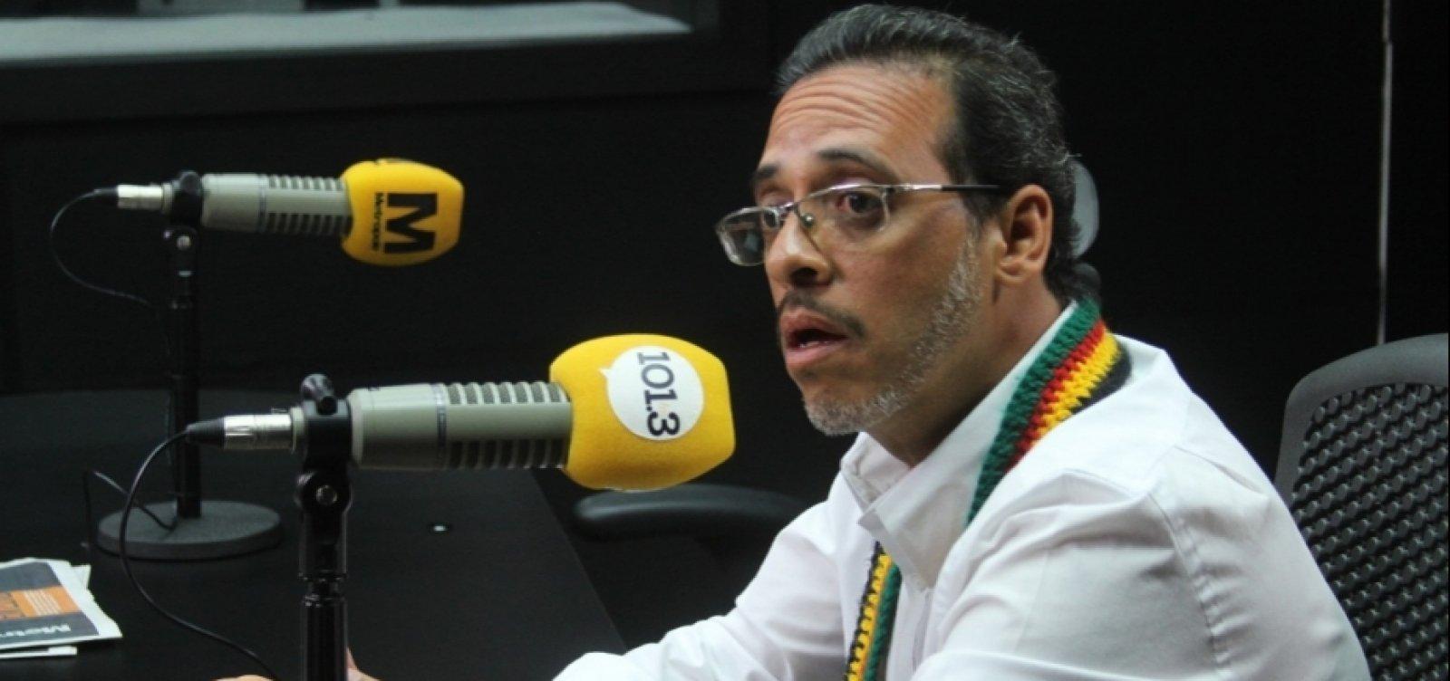 Hilton Coelho compartilha fake news sobre médico vacinado contra a Covid-19