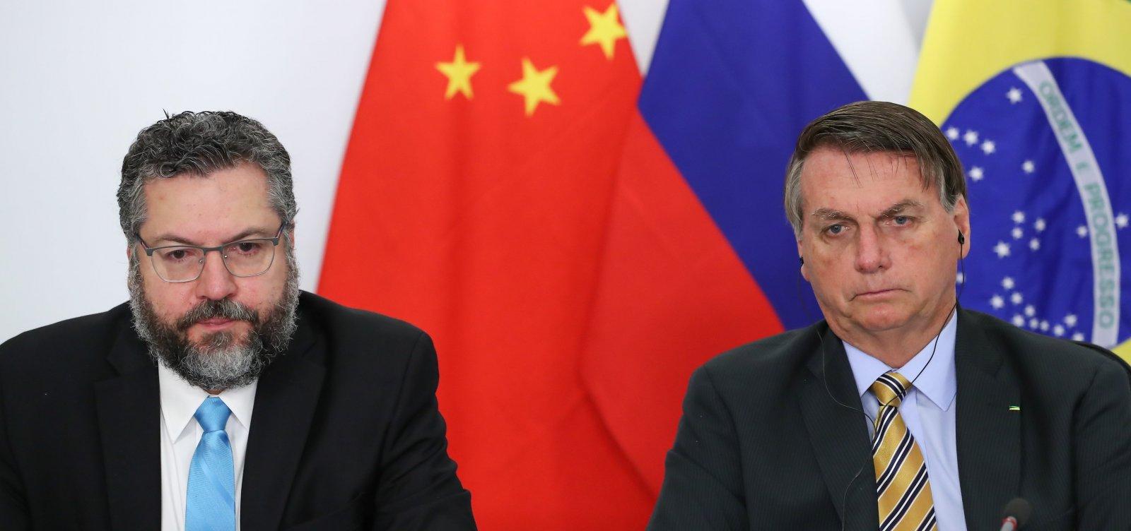 Bolsonaro quer pedir ao presidente da China a liberação de insumos de vacinas contra Covid-19