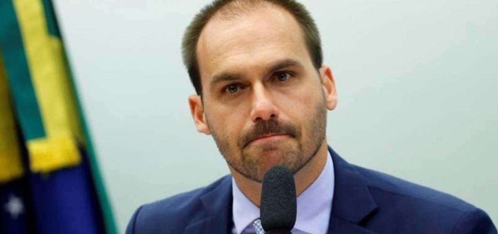 Justiça condena Eduardo Bolsonaro a indenizar jornalista Patrícia Campos Mello por danos morais