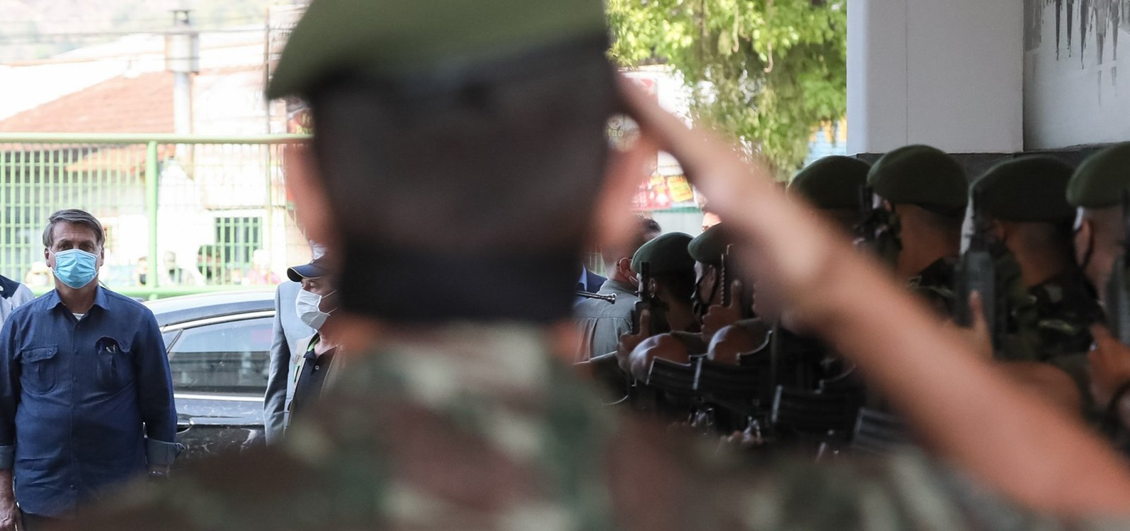 'Forças Armadas jamais aceitariam convite contra a liberdade', diz Bolsonaro