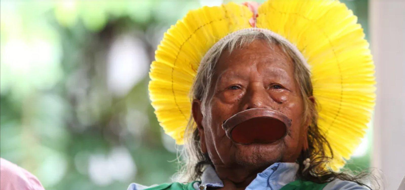 Caciques denunciam Bolsonaro no Tribunal de Haia por crimes ambientais
