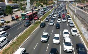 Acidentes deixam feridos e complicam trânsito na manhã desta segunda-feira