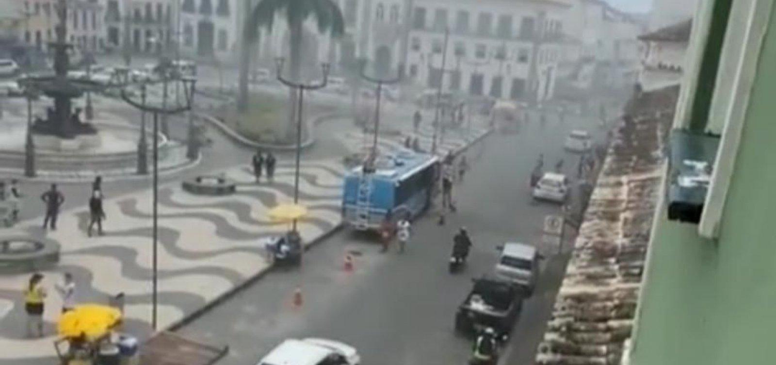 Fogo atinge restaurante no Largo do Terreiro de Jesus