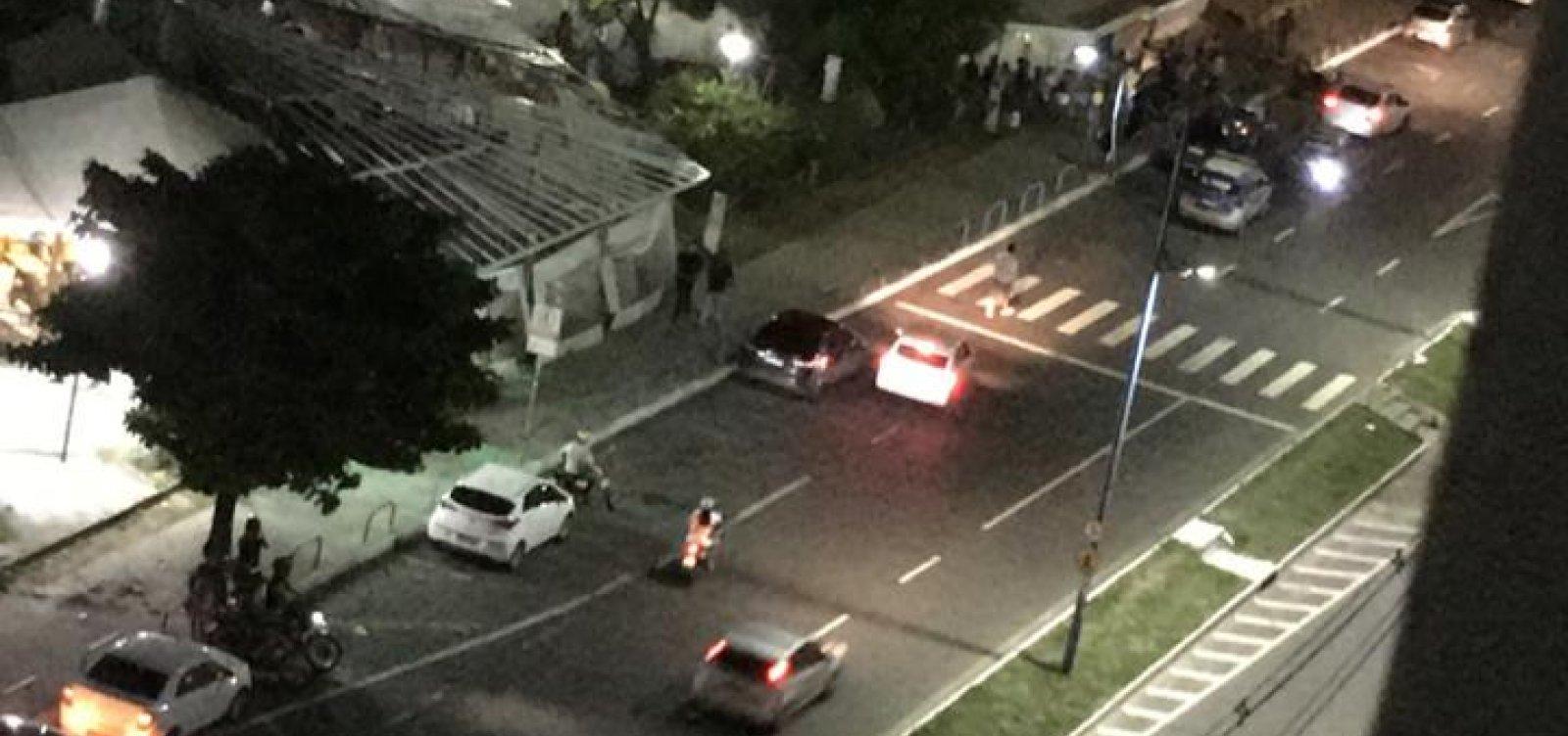 Homem é morto a tiros em bar nas barracas do Imbuí