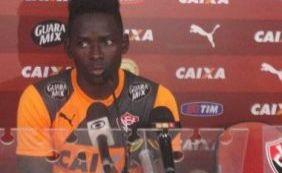 Zagueiro Kanu pode voltar pra Bélgica e ser mais um a deixar o Vitória
