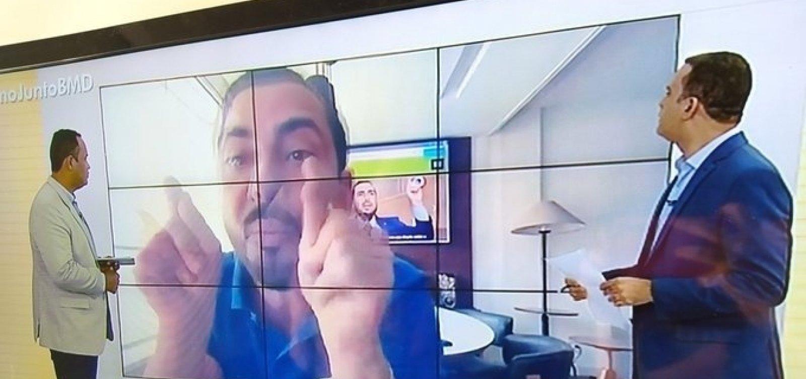 Deputado cassado bate boca em televisão e nega agressão a idoso: 'Só dei chute'