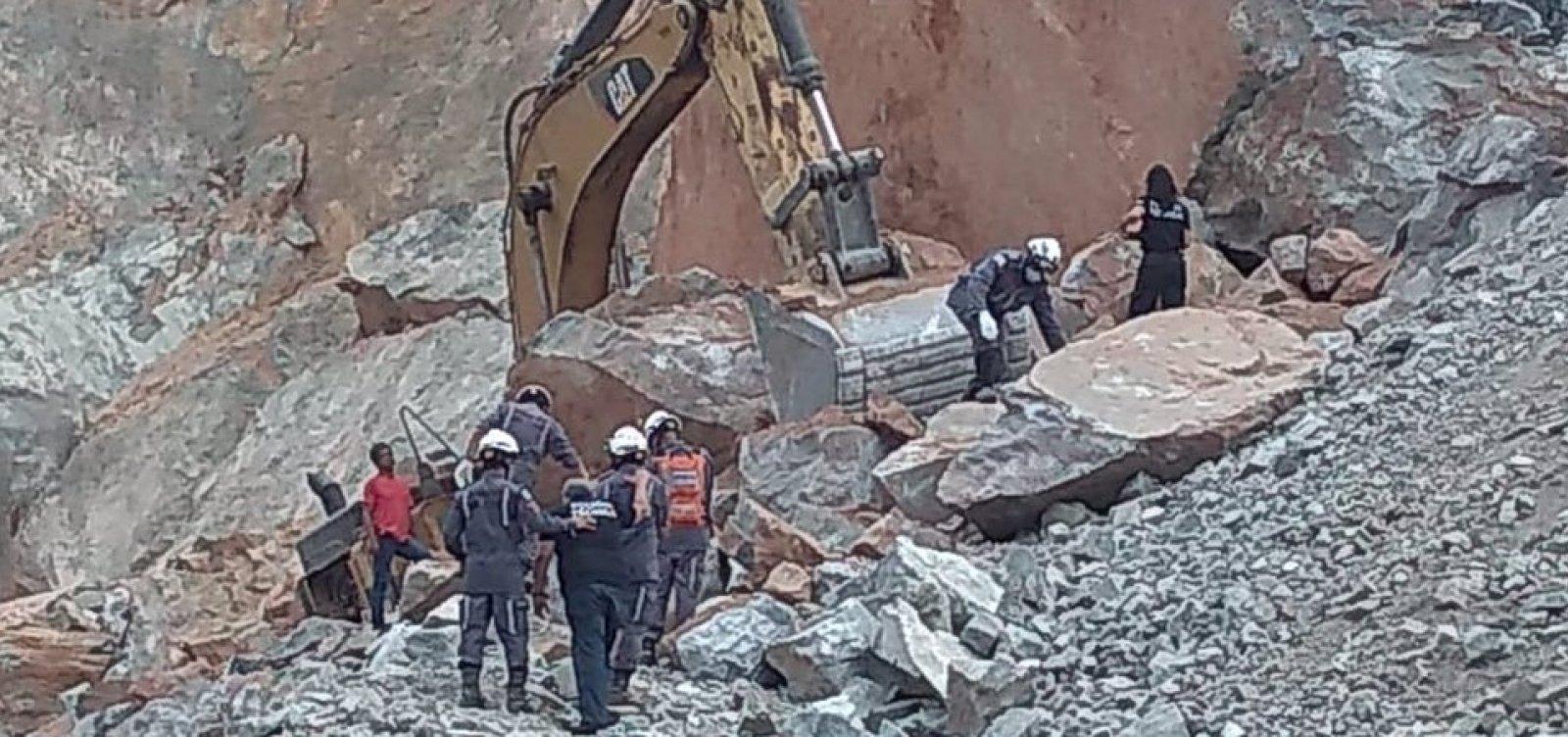 Homem morre após desabamento em pedreira em Lauro de Freitas