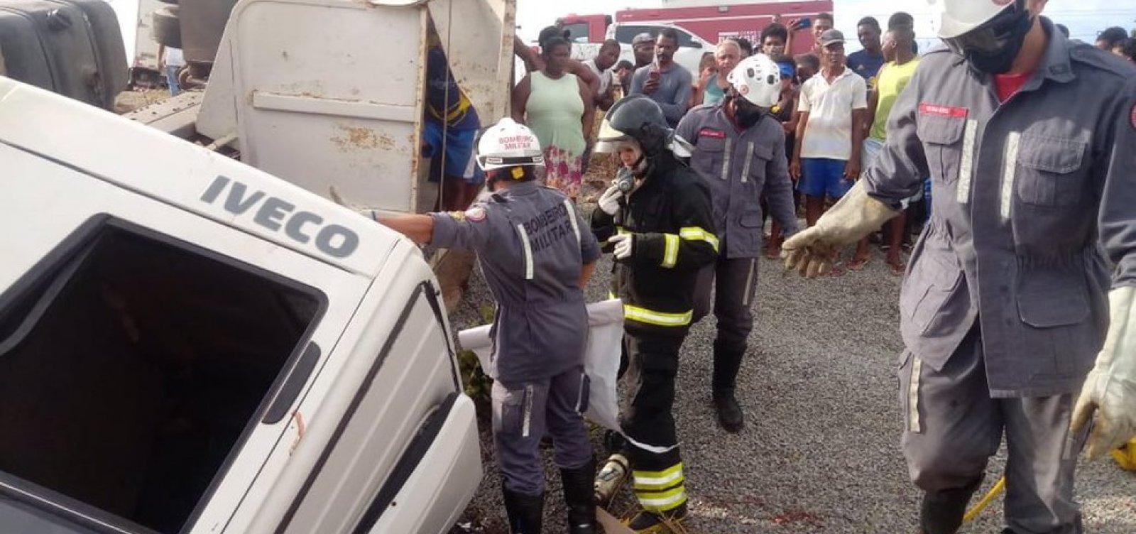 Colisão entre caminhões deixa quatro feridos na Ilha de Itaparica