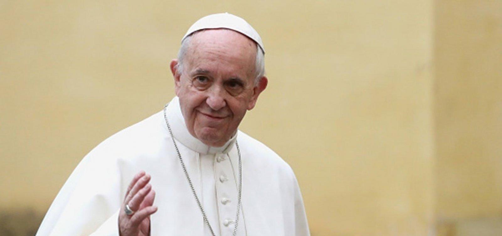 Papa Francisco recebe segunda dose da vacina contra a Covid-19