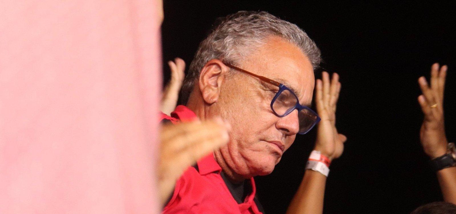 Apoiadores de Paulo Carneiro deixam gestão do Vitória