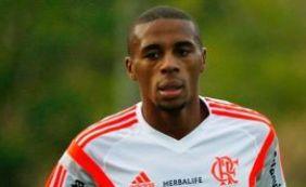 Zagueiro Marcelo, que defendeu o Flamengo em 2015, pode reforçar o Vitória