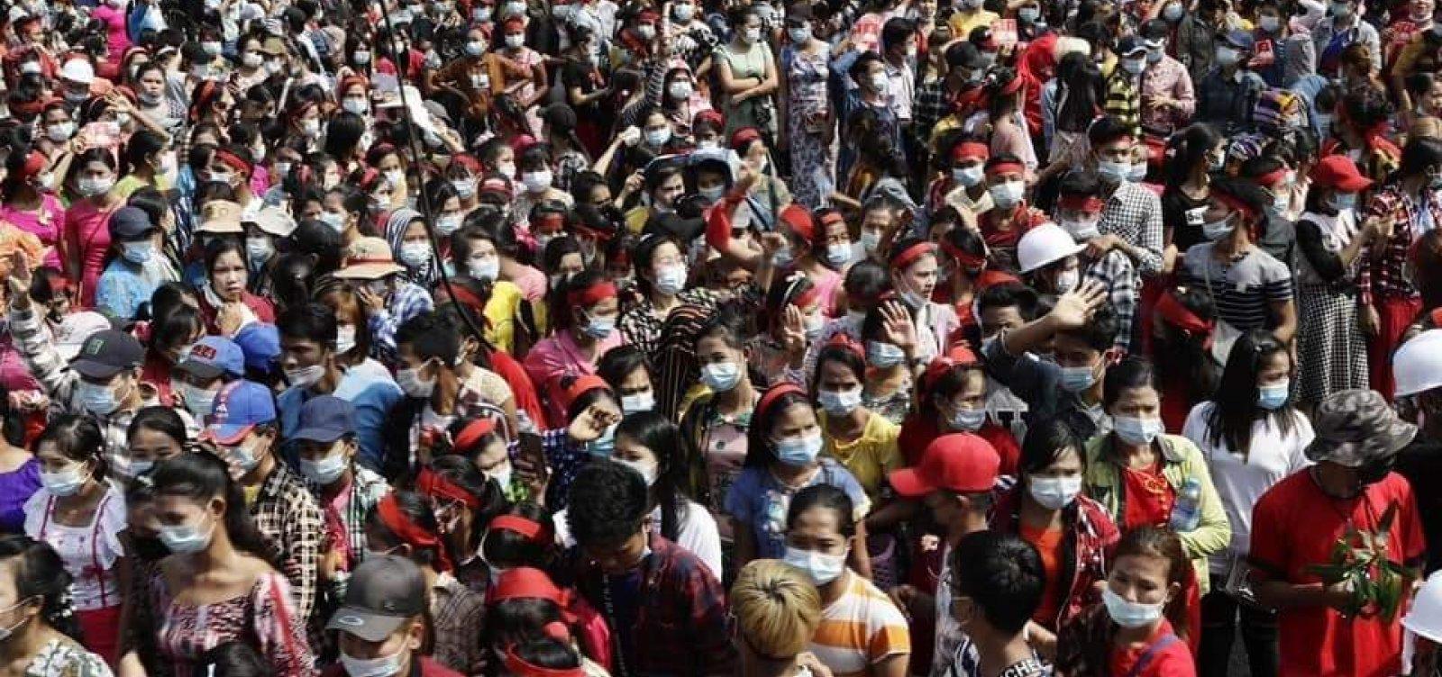 Myanmar: governo militar bloqueia internet em meio a protestos
