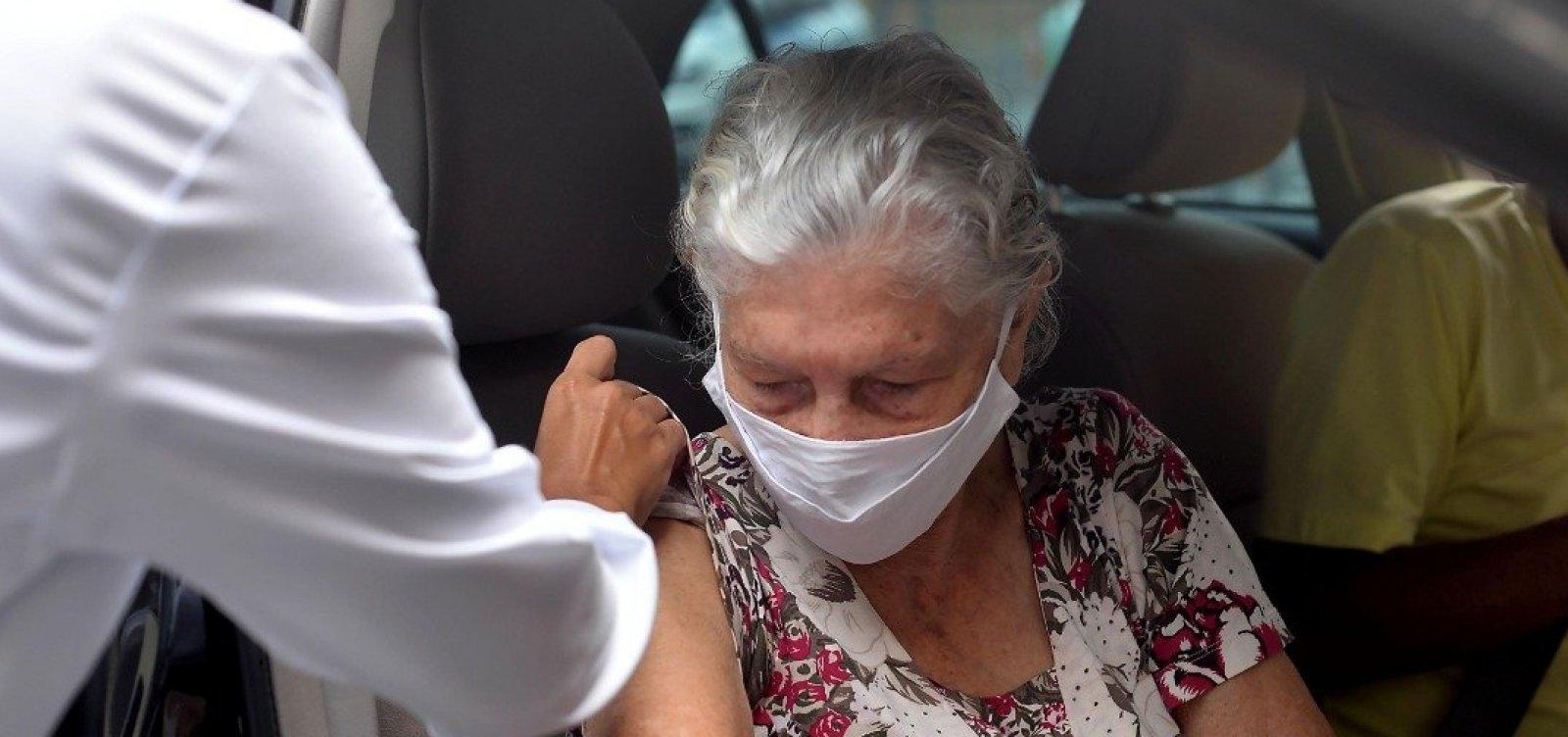 Em Salvador, vacinação será exclusiva para idosos neste domingo