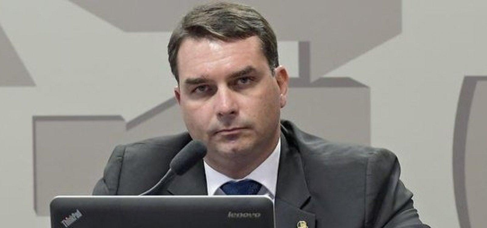 Tese da defesa de Flávio Bolsonaro no caso das 'rachadinhas' é enfraquecida pela Justiça