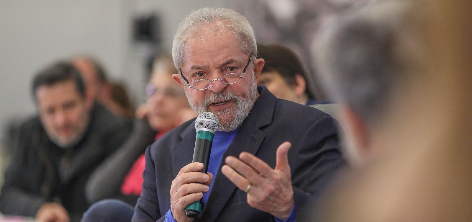 Lula recebe alta após ficar internado com bacteremia