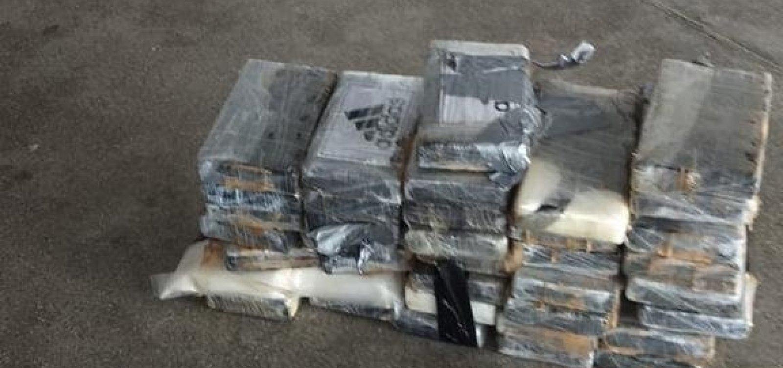 Meia tonelada de cocaína é apreendida em avião no aeroporto de Salvador