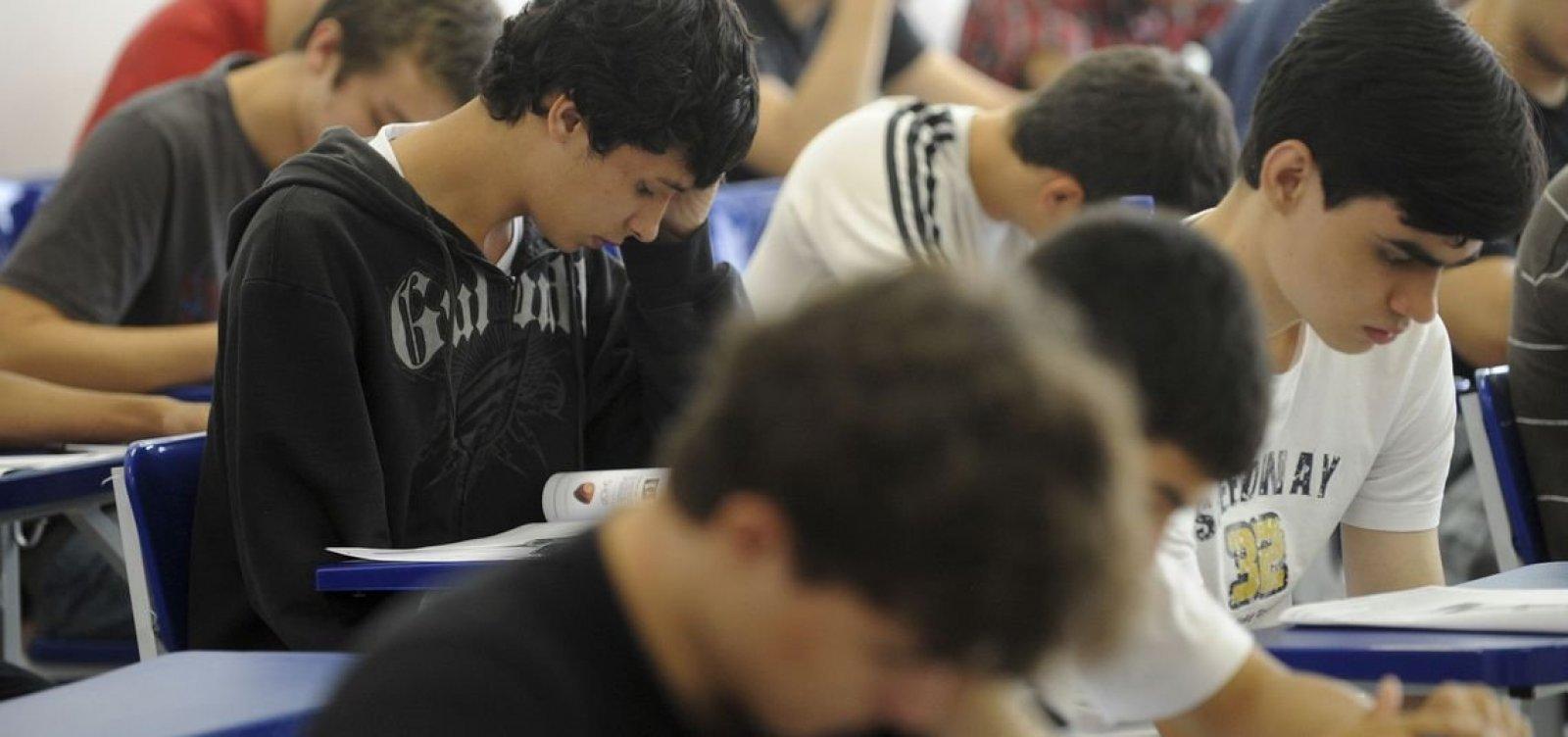 'Ainda não é hora de voltar', diz Rui Costa sobre retorno às aulas
