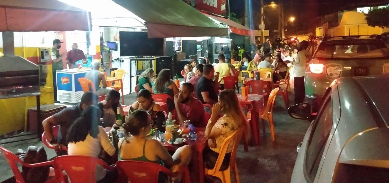 Porto Seguro: polícia apreende aparelhos de som e notifica bares por aglomerações