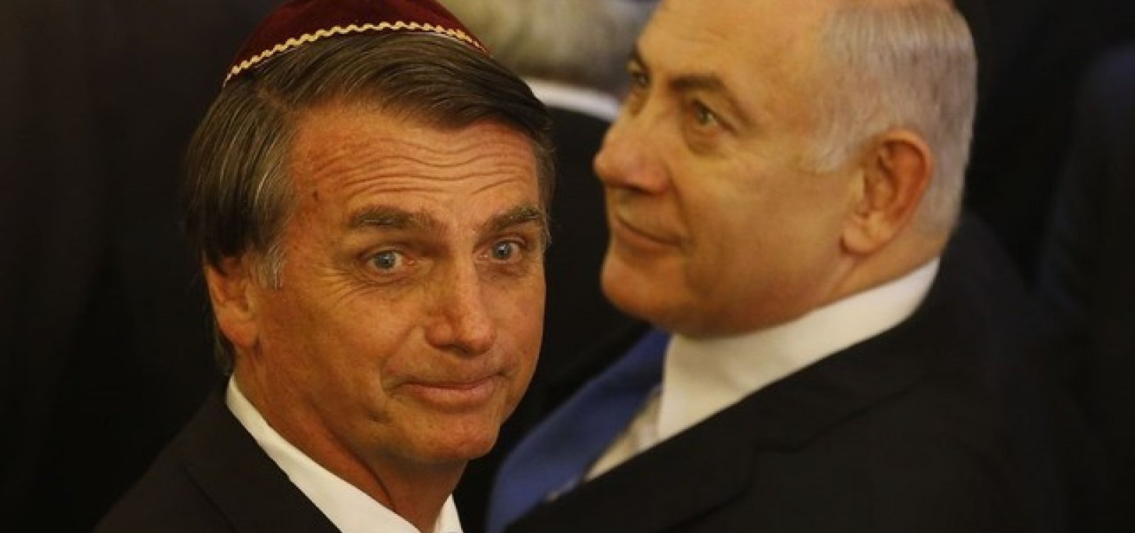 Bolsonaro pedirá à Anvisa liberação de spray israelense contra covid-19