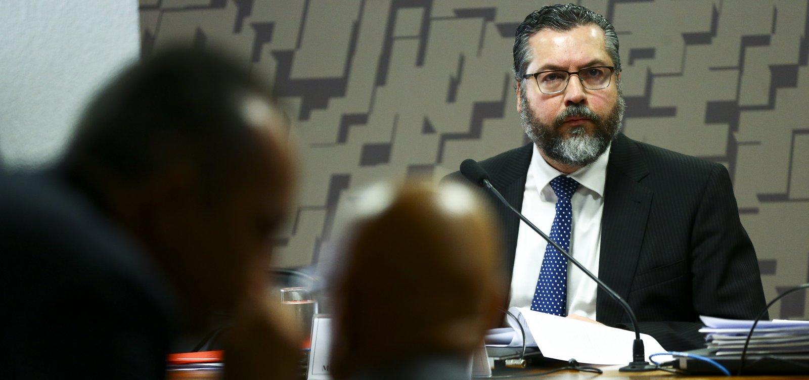'02 do Itamaraty': secretário do governo substitui Ernesto Araújo em missões diplomáticas