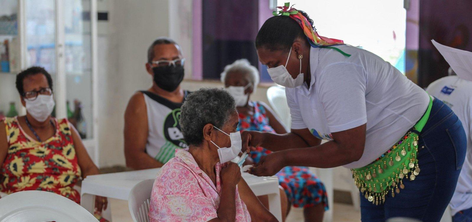 Idosos do abrigo Dom Pedro II recebem segunda dose da vacina contra Covid-19