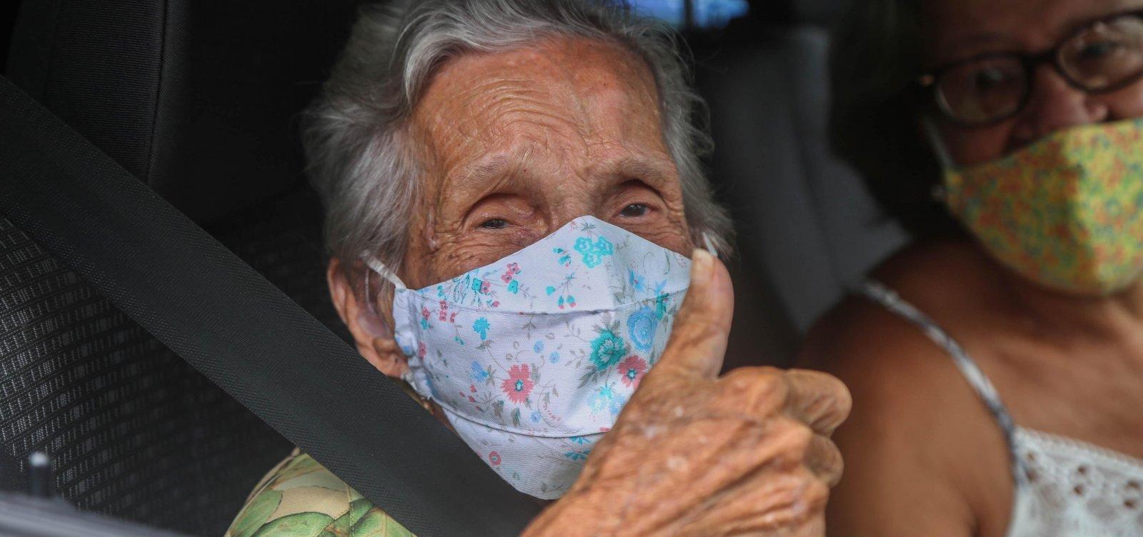 Governo diz ao STF que já vacinou todos os idosos com mais de 90 anos no Brasil