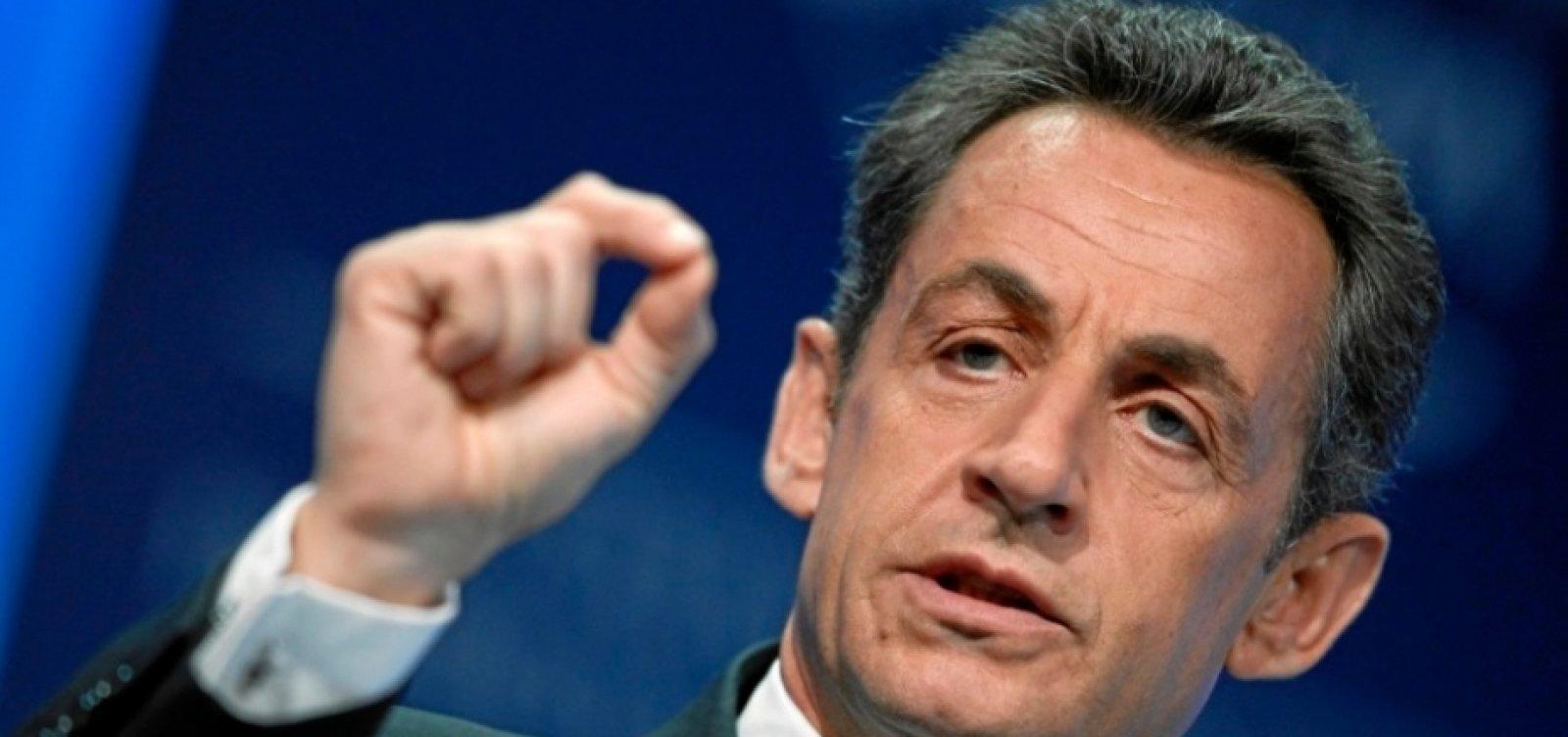Ex-presidente francês Nicolas Sarkozy fura fila da vacina contra Covid-19