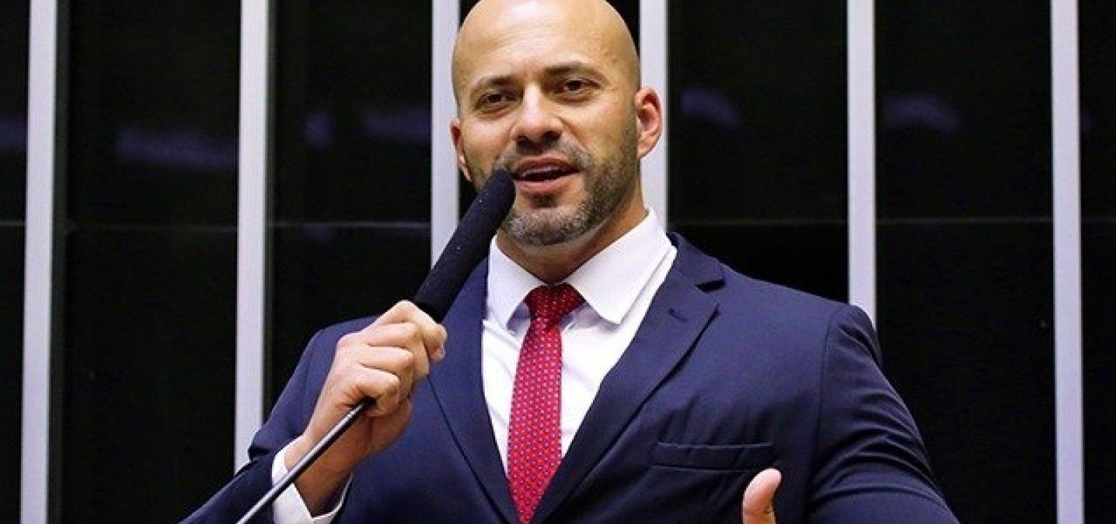STF nega pedido para Daniel Silveira participar presencialmente de sessão na Câmara