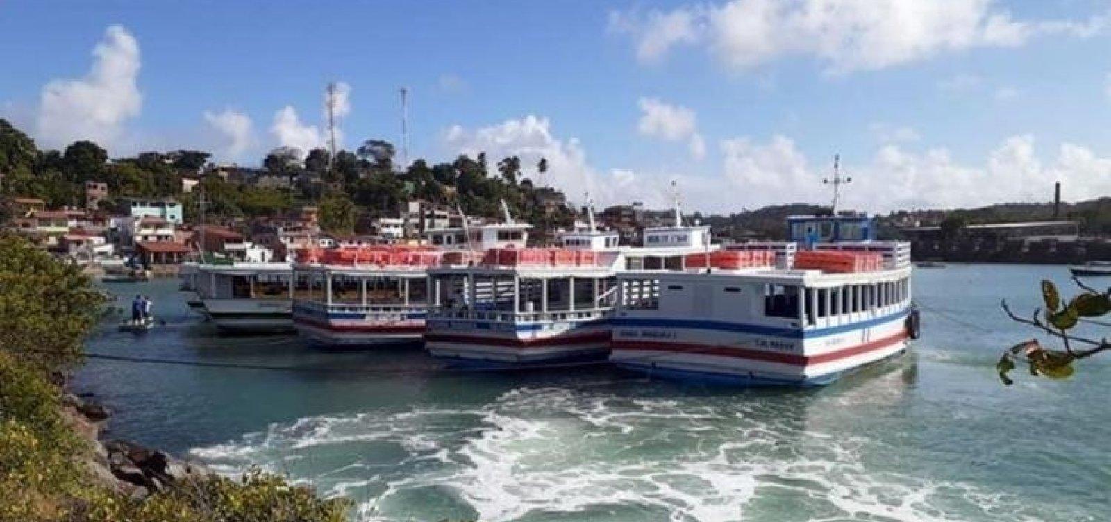 Travessia Salvador - Mar Grande opera tranquilamente com oito embarcações