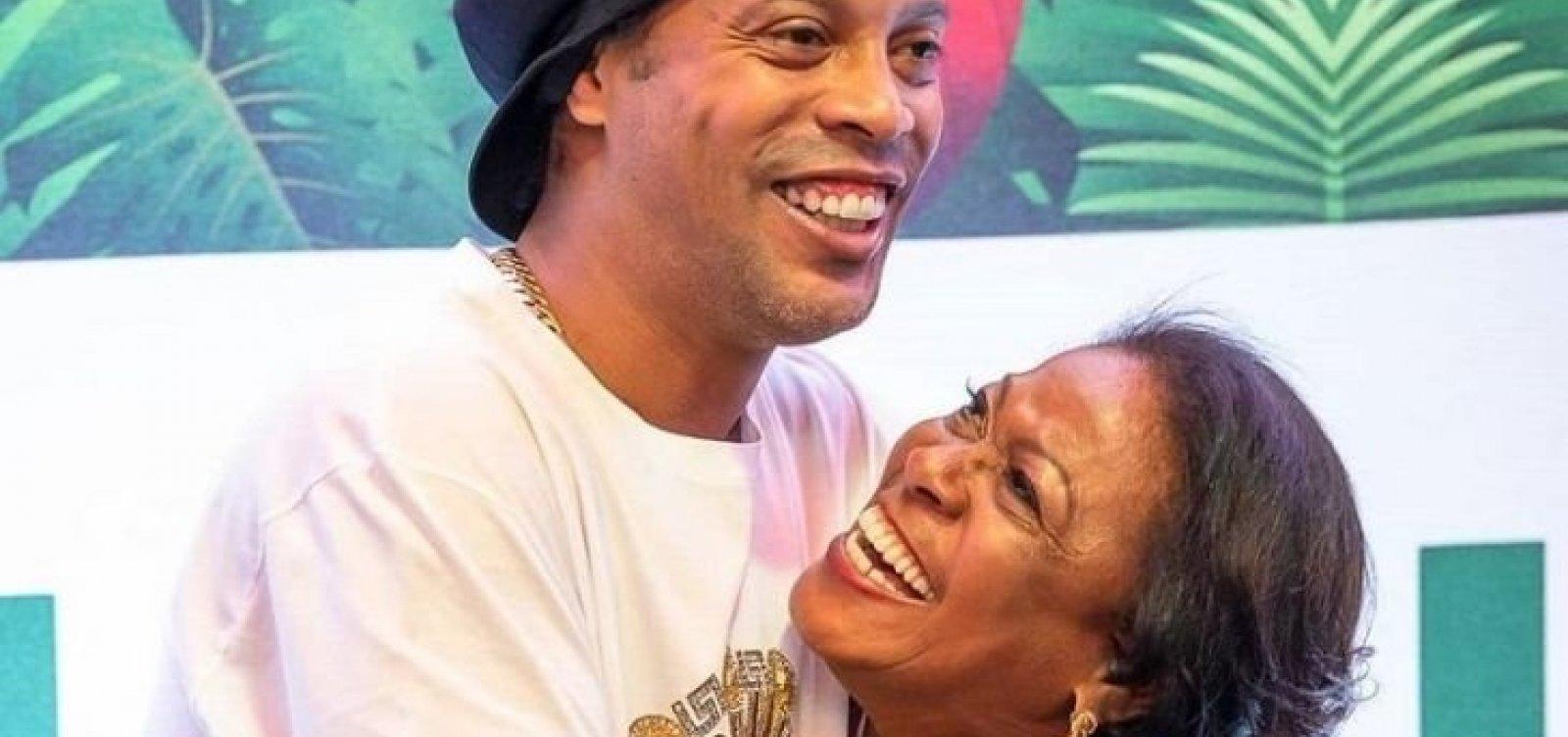 Morre por complicações da Covid-19 mãe do ex-jogador Ronaldinho Gaúcho
