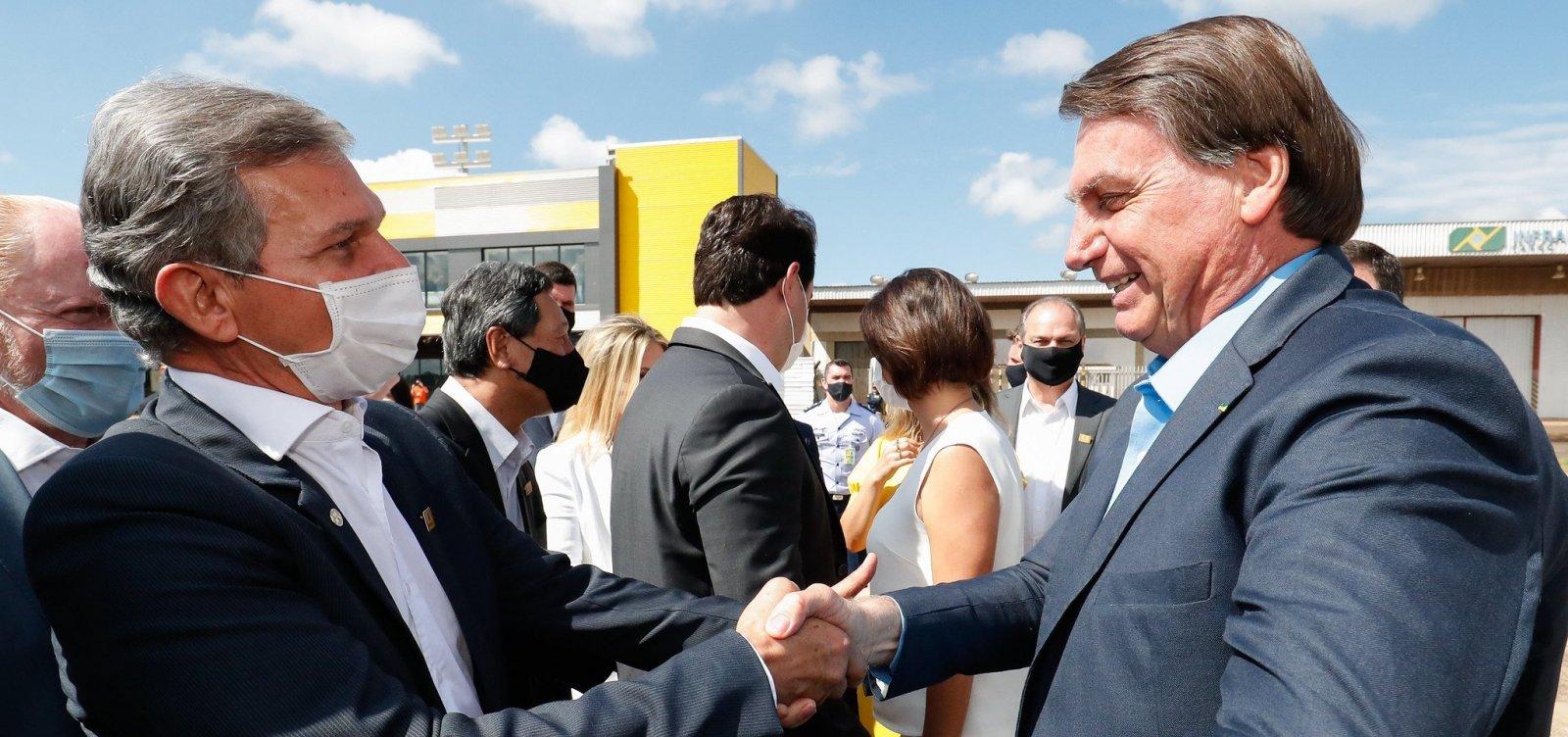 Silva e Luna 'vai dar uma arrumada' na Petrobras, diz Bolsonaro